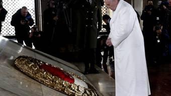 Der Papst im Mausoleum von Mustafa Kemal Atatürk