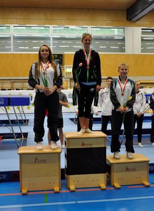 Gwenäelle Schnyder (2.Platz) und Jara Huber (3.Platz)