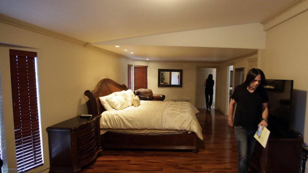 """In diesem Raum im Bordell """"Love Ranch"""" wurde Lamar Odom bewusstlos aufgefunden. Zuvor soll er drei Tage durchgefeiert und allerhand Rausch- und Potenzmittel konsumiert haben."""