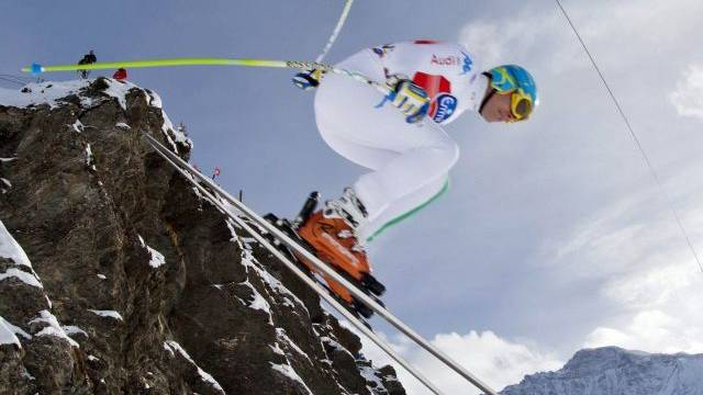 Christof Innerhofer fliegt über den Hundschopf dem Sieg entgegen. Foto: Alessandro della Bella