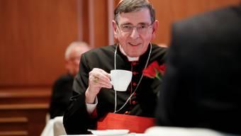 Kardinal Kurt Koch bevorzugt Tee im Wirthensaal - wo er seine Sorge um die Christliche Welt im Nahen Osten nicht verbergen kann.
