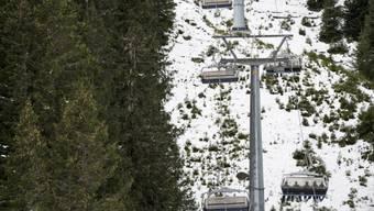 Später Winterbeginn brachte Bergbahnen weniger Kunden (Archiv)