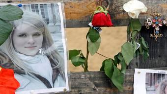 Grenzenlose Trauer: Blumen zum Gedenken an Lucie Trezzini in Rieden bei Baden, wo der Mord geschah.
