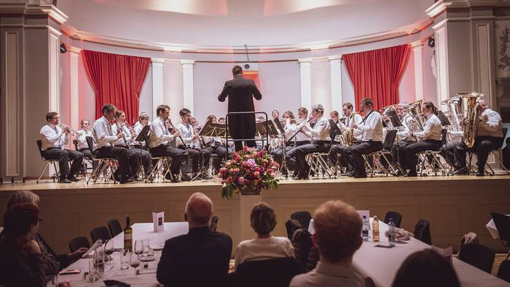 Die Stadtmusik Olten bei ihrem Jahreskonzert «Hereinspaziert» am 4. Mai im Stadttheater Olten. Foto: Celine Henriquez