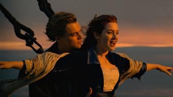"""Unvergessen: Leonardo DiCaprio und Kate Winslet als Jack und Rose in """"Titanic"""" (1997). DiCaprio haderte offenbar lange mit seiner Hauptfigur - er fand Jack zu flach. (Archivbild)"""