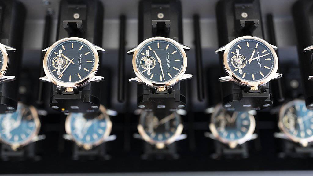 Das Jahr 2018 war ein gutes Jahr für die Schweizer Uhrenindustrie gewesen. Getrieben von der Konsumlust in China kletterten die Uhrenexporte zurück über die 20-Milliardenschwelle. (Archiv)