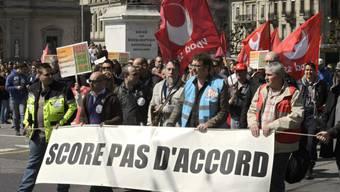Genfer Polizisten und Staatsangestellte demonstrieren