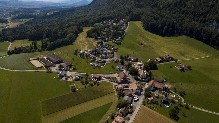 Die Gemeinde Balm bei Günsberg am Fusse der ersten Jurakette.
