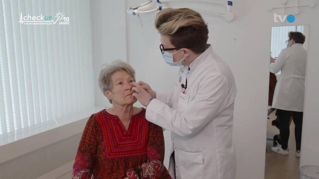 Behandlung von weissem Hautkrebs im Gesicht