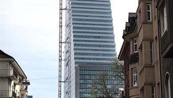Der Roche-Tower sorgt für einen langen Schattenwurf.