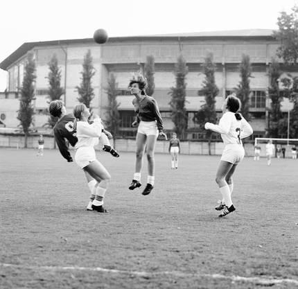 1968 wurde der Damenfussballclub Zürich (DFCZ) gegründet.