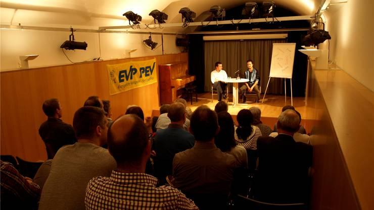 Thomas Wirth (l.) und Oliver Badrzadeh während der Diskussion.