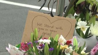 """""""We stand with you"""": Wie Neuseeland um die Opfer der Terroranschläge trauert"""