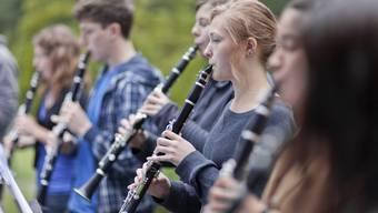 Willkommener Nebeneffekt: Ein Instrument spielen (wie hier am Konservatorium in Winterthur) fördert nicht nur das musikalische Vermögen, sondern auch die kognitiven Fähigkeiten.