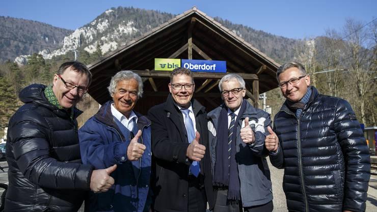v.l.: Jürgen Hofer (Solothurn Tourismus) Alt-Regierungsrat Walter Straumann, Baudirektor Roland Fürst, Solothurner Stadtpräsident Kurt Fluri und Stephan Berger (Vorsteher Oberamt Thal Gäu).