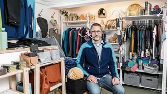 Mirko Hastedt in seinem neu eröffneten Laden Vierzehnfünf Quadrat in der Oberen Halde.