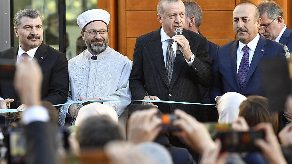 Der türkische Staatspräsident Erdogan bei der Eröffnung der grossen Ditib-Moschee in Köln.