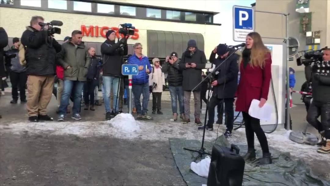 Anti-WEF-Aktivisten versammeln sich zur Demonstration in Davos