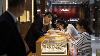 Zugenommen haben in diesem Jahr vor allem die Verkäufe von Uhren im Luxussegment und Schmuck. Und dies besonders in Asien.