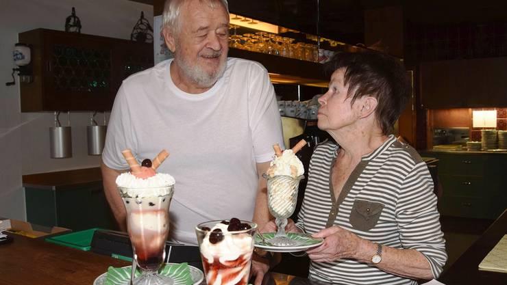Das Wirtepaar Karl und Michèle Schollenberger machte sich mit den selbst gemachten Glaces einen Namen.