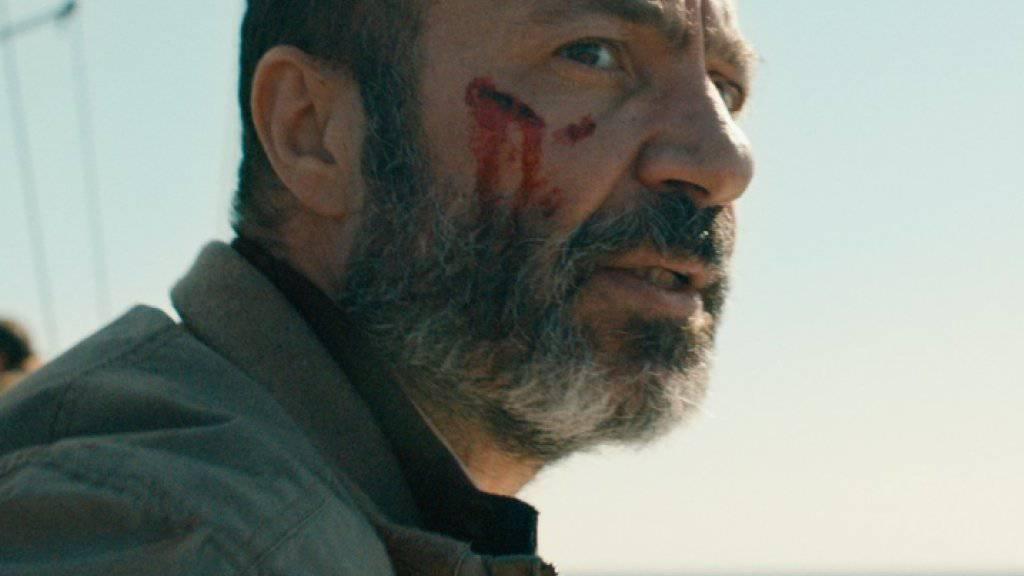 """In Syrien war Jay Abdo so bekannt wie in den USA Kevin Spacey. Nach der Flucht musste er als Pizzabote neu beginnen. Inzwischen fasst er Fuss in Hollywood. Und auch im mehrfach preisgekrönten Schweizer Kurzfilm """"Bon voyage"""" hat er einen starken Eindruck hinterlassen. (Pressebild)"""