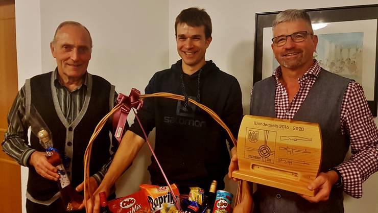 v.l.n.r. Gewinner Glücksstich Guido Sacher Gewinner Chilbi Ueli Sacher Gewinner Jahresmeisterschaft Gilbert Binkert