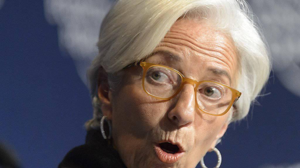 IWF-Chefin Christine Lagarde zählte am Schlusstag des WEF noch einmal die Hürden für die weltweite Wirtschaft im laufenden Jahr auf - die Situation bleibe angespannt. (Archiv)