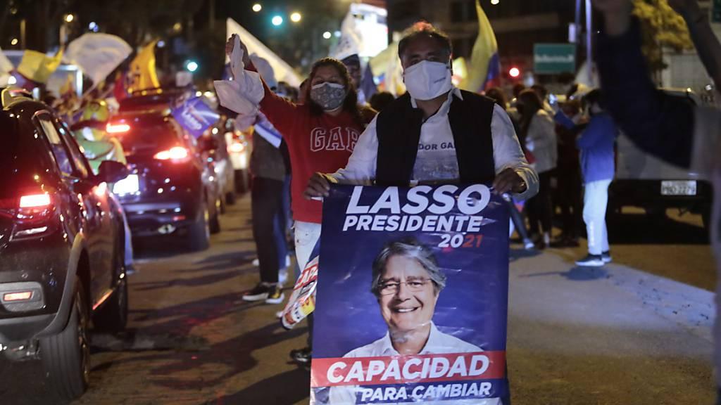 Der rechtsliberale Politiker Guillermo Lasso hat die Präsidentschaftswahlen in Ecuador gewonnen.