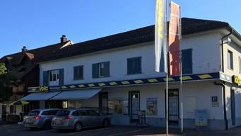 Der Volg-Laden in Würenlingen wurde von einem bisher Unbekannten überfallen.