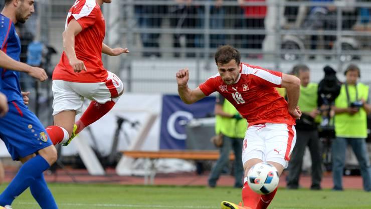 Admir Mehmedi trifft zum 2:1-Sieg für die Schweiz