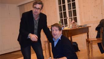 Der Schauspieler Hanspeter Müller-Drossaart (rechts) tritt zusammen mit Urs Heinz Aerni in der Laufenburger Kultschüür auf.