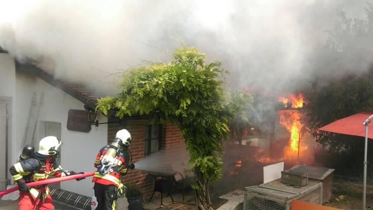 Die Feuerwehren aus Strengelbach und Vordemwald standen zwei Stunden lang im Einsatz.