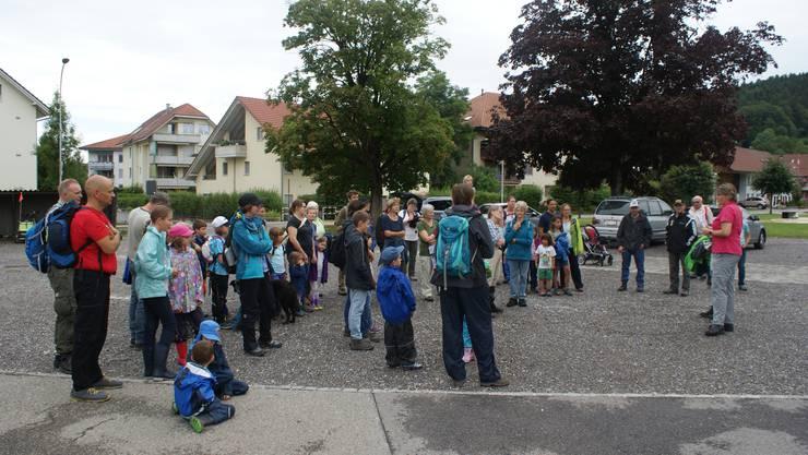 Besammlung auf dem Schulhausplatz