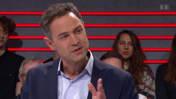 Der umstrittene Historiker und Publizist Daniele Ganser erhält Rückendeckung via Beanstandungen beim SRF-Ombudsmann.