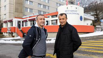 Suchen einen Nachfolger für das geschlossene Restaurant Feldschlösschen: Bayram (links) und Mehmet Yigit.