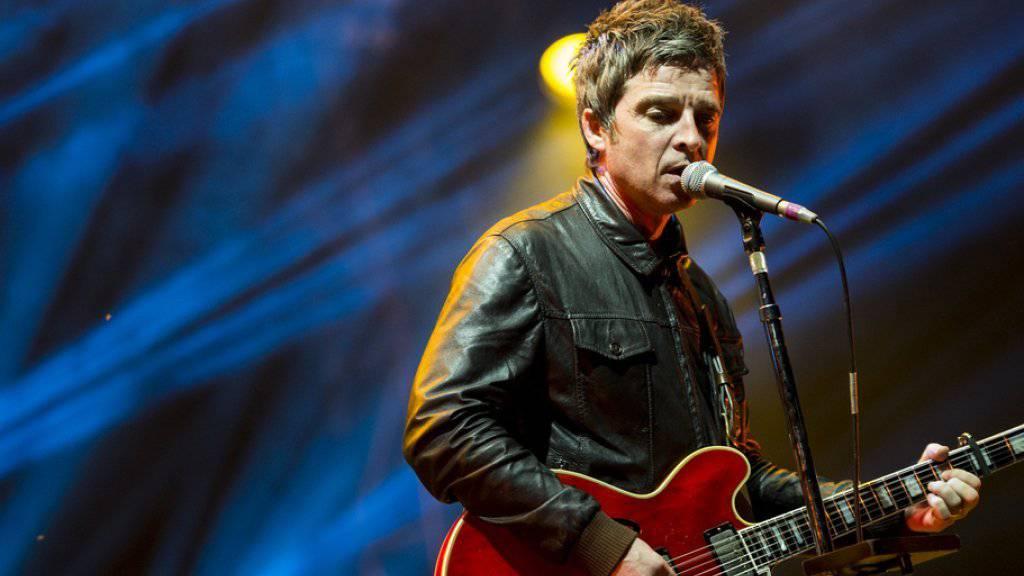Noel Gallagher - hier diesen Sommer am Openair St. Gallen - fordert die UNO auf, die Flüchtlingsfrage anzupacken (Archiv)