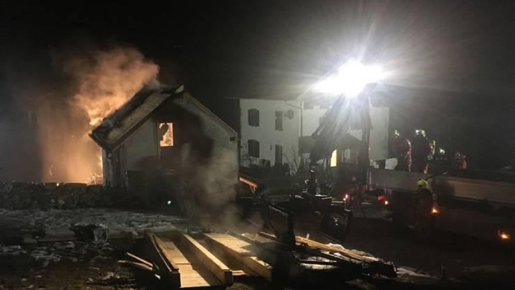 In Paspels GR ist in der Nacht auf Sonntag ein Saunahaus in Brand geraten.