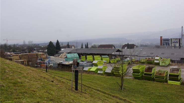 Das Areal der Firma Beerli Holzwaren AG soll mit Ein- und Mehrfamilienhäusern überbaut werden – ein Richtprojekt zeigt auf, wie das aussehen könnte.