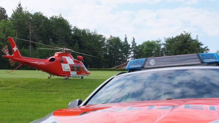 Mann nach Fallschirmsprung schwer verletzt.