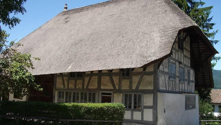 Das kantonale Hochbauamt hat zusammen mit der Denkmalpflege auch den Gewölbekeller saniert, die Fenster und das Fachwerk neu gestrichen sowie eine neue Beleuchtung installiert und die Elektroanlage instand gesetzt.