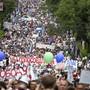 Zehntausende Menschen haben am dritten Samstag in Folge im äussersten Osten Russlands für den inhaftierten Ex-Gouverneur von Chabarowsk demonstriert. Die Proteste richteten sich auch gegen Kremlchef Wladimir Putin.