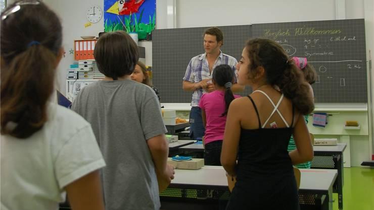 Es sei besonders wichtig, dass die Schüler zu Schuljahresbeginn inihren Klassen erschienen, sagt Schulpräsident Jean-Pierre Balbiani. DAE