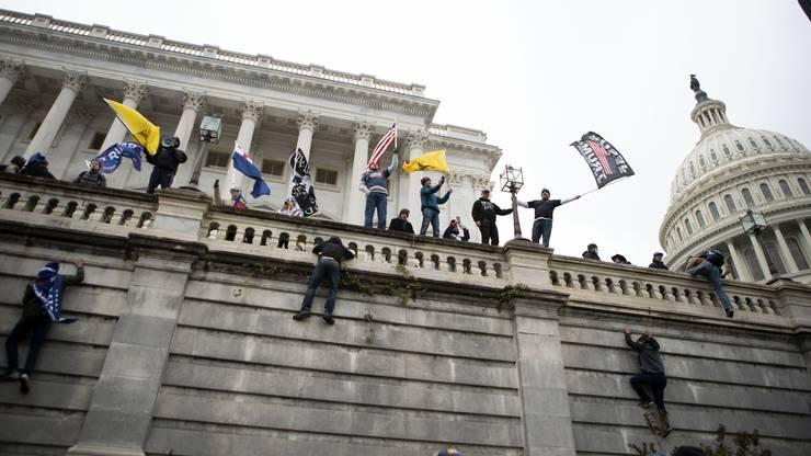 Szenen wie diese, da sind sich die allermeisten Amerikaner einig, dürfen sich nicht wiederholen in den kommenden zwei Wochen.