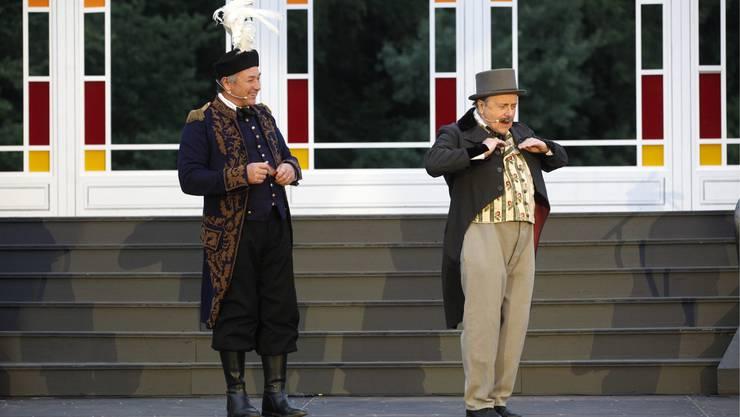 Baron Mirko Zeta (Hermann Gehrig) und Njegus (Urs Mühlethaler)