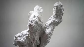 Bergspitze oder Stalaktit? Die stumme Skulptur von Sara Masügger wirft Fragen auf.