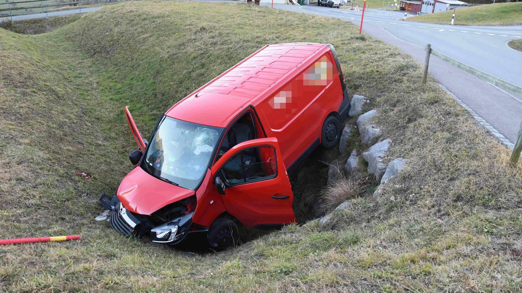 Der 64-Jährige zog sich beim Unfall unbestimmte Verletzungen zu.