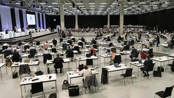 Im Zentrum der ausserordentlichen Session in den Berner Messehallen standen die Milliardenkredite zur Bewältigung der Corona-Krise.