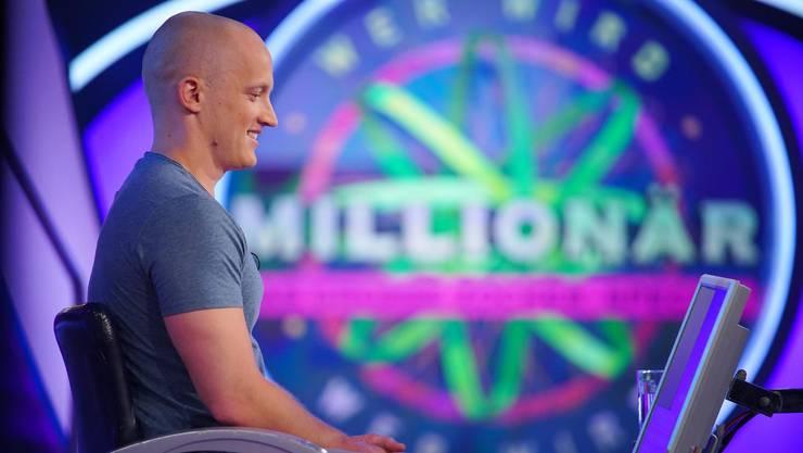 Wer wird Millionär: Kandidat Christoph weiss bei der BH-Frage nicht weiter.