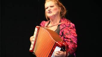 Doris Friedmann gehört zu den Stars am grenzüberschreitenden Kulturfestival. Als Schweizerin bekennt sie: «Ich esse gerne Äpfel und Schokolade.»ach