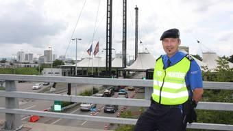 Grenzwächter Patrick Gantenbein am Grenzübergang
